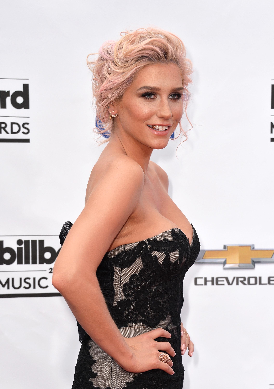 Kesha Hottest Bikini Photoshoot & Hd Wallpapers Gallery