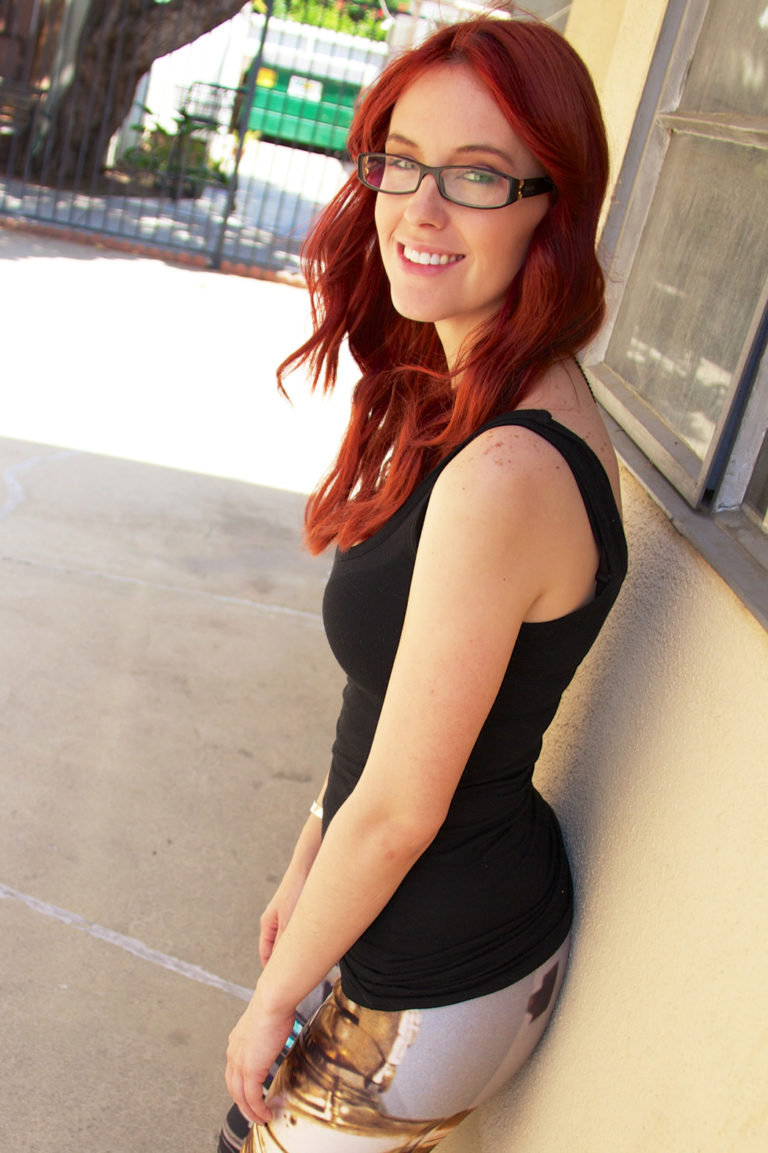 Meg Turney Hot & Sexy Bikini Photoshotos, Images and Videos
