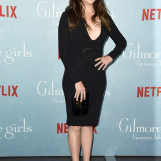Lauren Graham ass