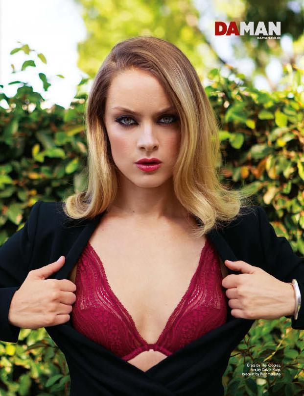 Rachel Skarsten Hot  Sexy Leaked Bikini Photoshoot Pictures-9740