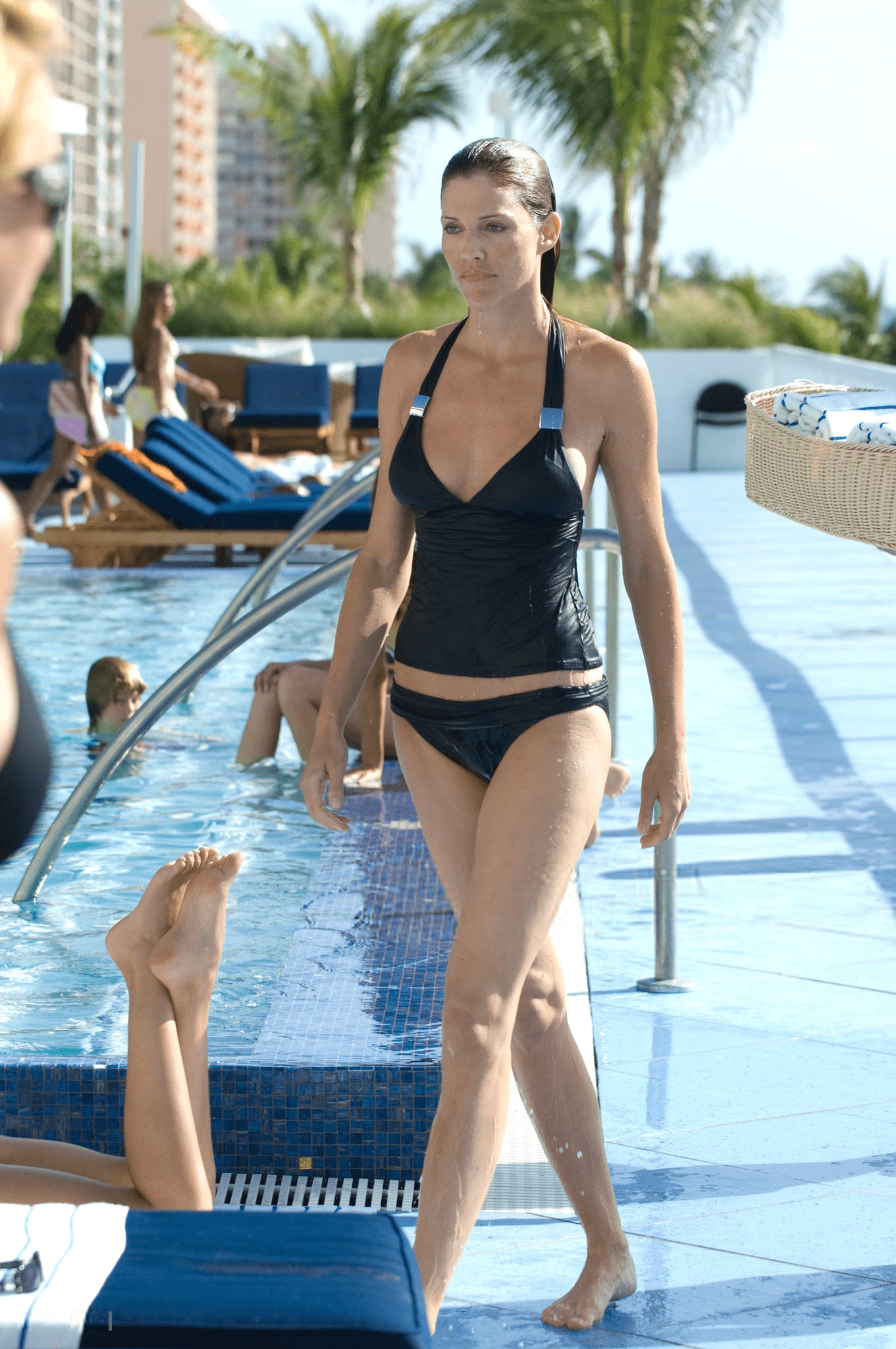 Tricia Helfer Hot & Sexy Near-Nude Leaked Pictures